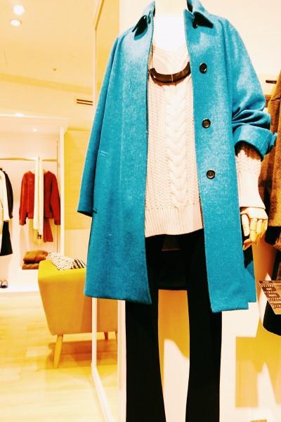 ブルーのコート